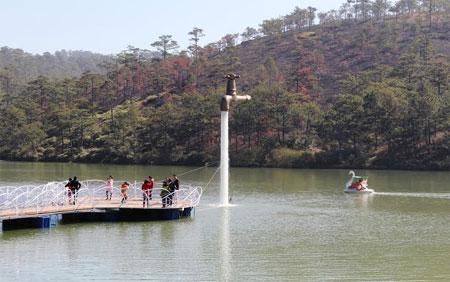 Da Thien lake