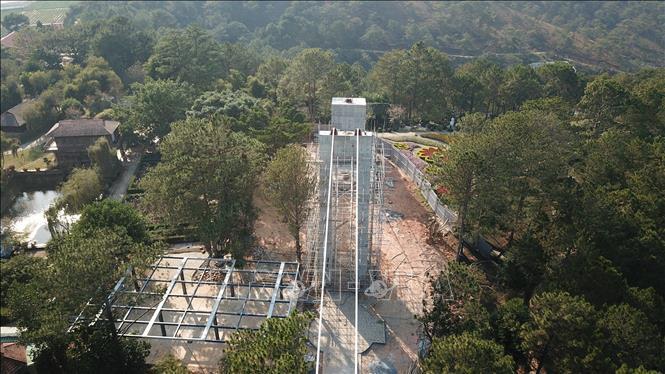Dalat glazing bridge