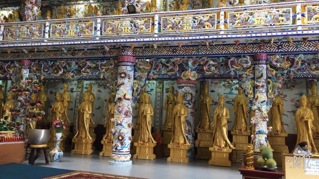 324 statues of Avalokitesvara