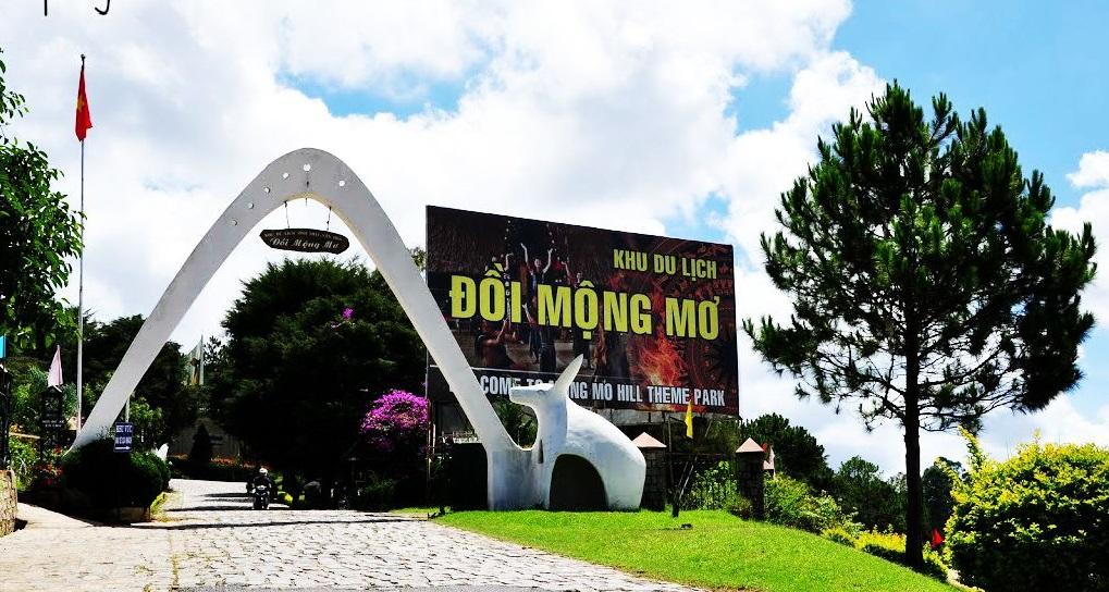 Mong Mo hill tourist area