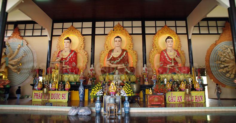 Gautama buddha, Amitabha buddha and Medicine Buddha