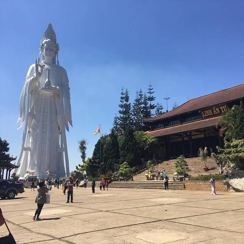 Giant Bodhisattva statue