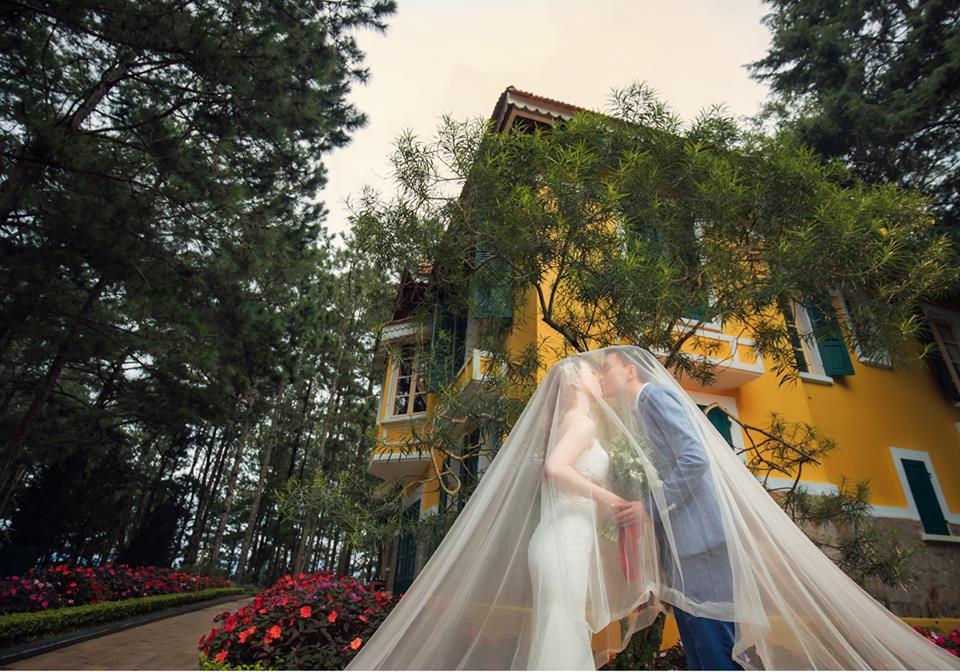 Romantic wedding photography spot